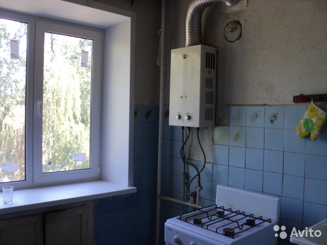 Продается двухкомнатная квартира за 1 300 000 рублей. ровенская.