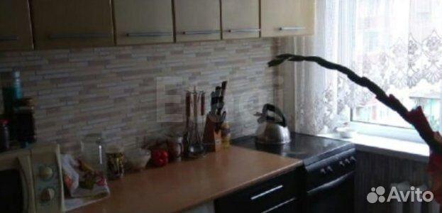 Продается трехкомнатная квартира за 2 350 000 рублей. Октябрьский, Профинтерна, 42а.