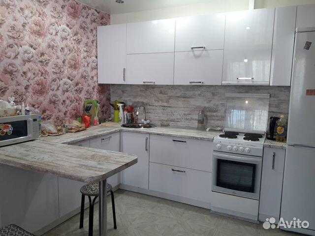 Продается двухкомнатная квартира за 3 300 000 рублей. ул Кантемирова, 11/1.