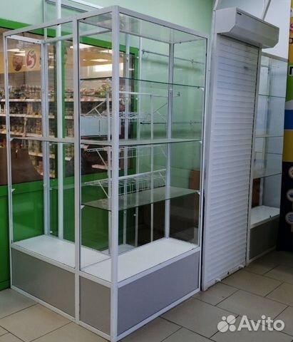 Стеклянная витрина, холодильник, дверь рольставня