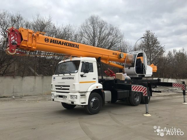 Услуги автокрана 25 тонн 31м Аренда крана  купить 2