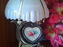 Лампа настольная с часами, люстры, бра, плафоны