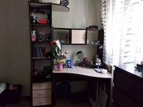 Продам письменный стол и шкафчик в комплекте
